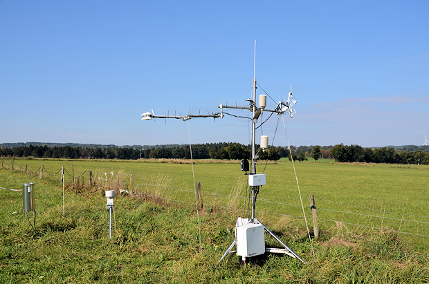 Ecosystem monitoring station near Rollesbroich to measure the greenhouse gas exchange between soil, vegetation and atmosphere